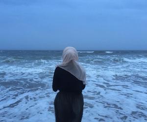 muslim, ocean, and müslimah image