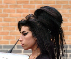 Amy Winehouse, amy, and black and white image