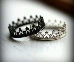 rings, crown, and Queen image