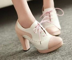 chaussures and shoes image