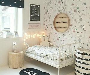 bedroom, heart, and quarto image