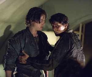 the 100, bellamy blake, and finn collins image