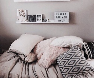 aesthetic, pillows, and pretty image