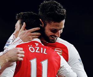 mesut Özil and olivier giroud image