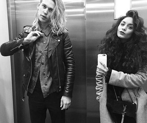 couple, austin butler, and Relationship image