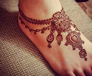 henna and feet image