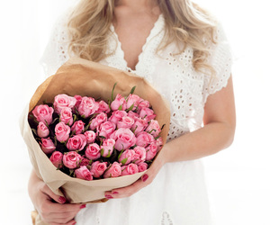 blonde, bouquet, and curls image