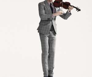 violin and tom hiddleston image