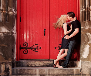 colors, couple kiss, and couple image