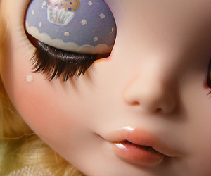 blythe, eyelid, and muffin image