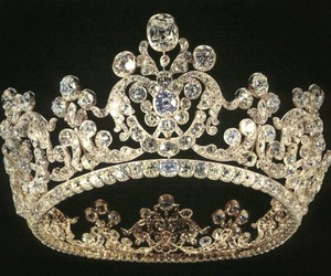 crowns, princess, and Queen image