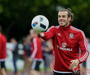bale, gareth, and soccer image
