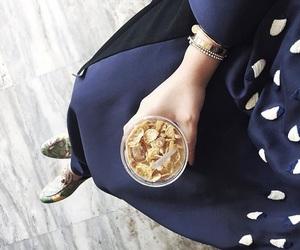abu dhabi, abaya fashion, and müslimah image