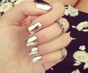 gris, nails, and uñas image