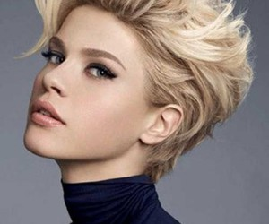 short hair and turtle neck image
