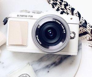 camera and white image