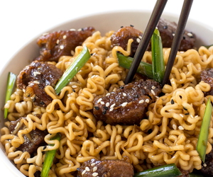 noodles, ramen, and beef image