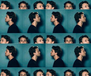 ashton, wallpaper, and 5 seconds of summer image