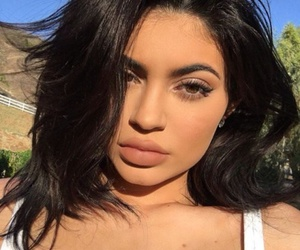 Queen, kardashians, and jenner image