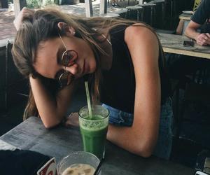 girl, tumblr, and food image