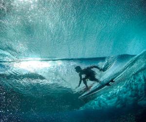 surf and gabriel medina image