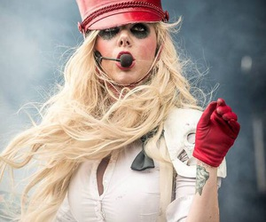 maria brink and in this moment image