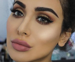 makeup and huda kattan image