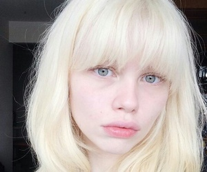 pale, grunge, and lola gleich image