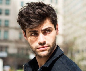 alec lightwood, shadowhunters, and matthew daddario image