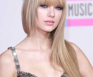 Taylor Swift, beautiful, and smile image