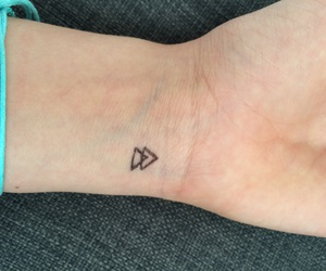 tattoo and triangel image