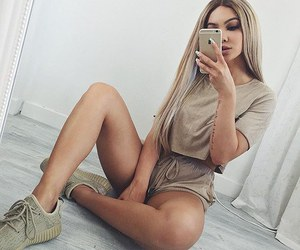 fashion and nude colors image