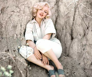 Marilyn Monroe, beautiful, and blonde image