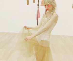 fashion, girl, and petite meller image