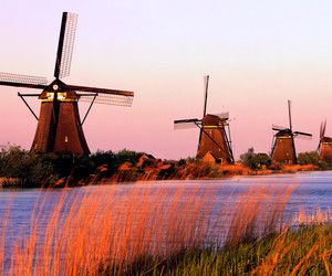 netherlands and windmill image