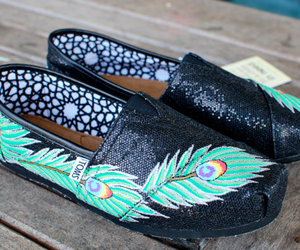 toms and pretty image