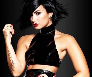 confident and demilovato image