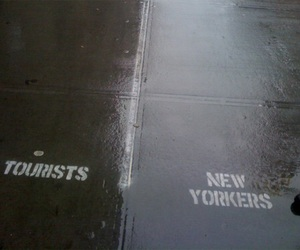 new york, tourist, and new yorker image