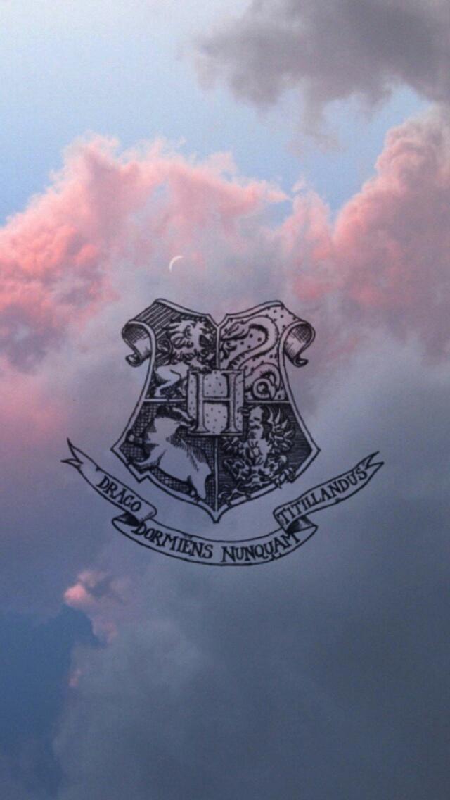 Hogwarts Wallpaper Uploaded By Esperanza Cortez