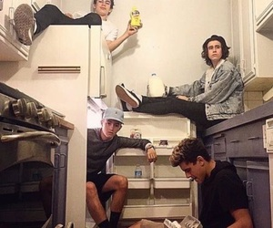 food, magcon, and friendship goal image