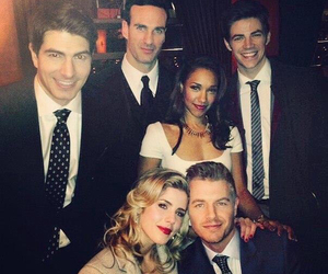 grant gustin, the flash, and felicity smoak image