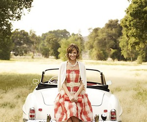 car and dress image