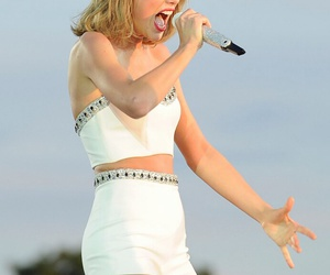 style, Taylor Swift, and swiftie image