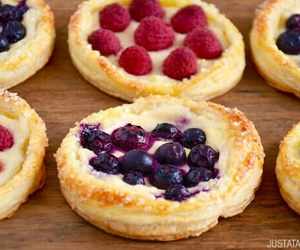 blueberry, breakfast, and cream cheese image