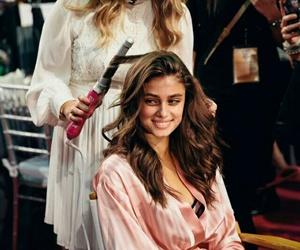 model, backstage, and Victoria's Secret image