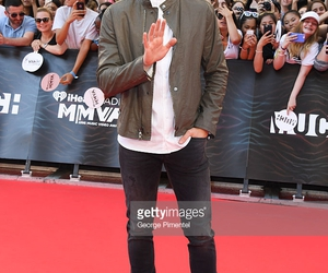 shawn mendes and mmvas image