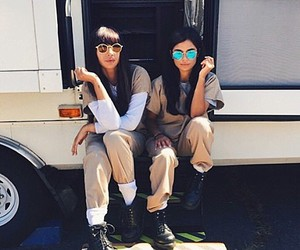 oitnb and orange is the new black image