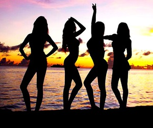 beach, sistar, and kpop image
