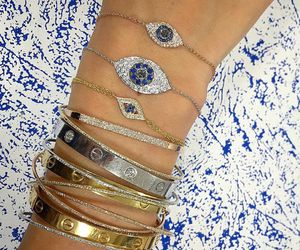 bracelet and diamonds image