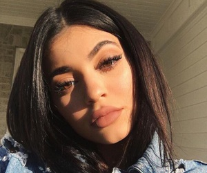 jenner, selfie, and kylie image
